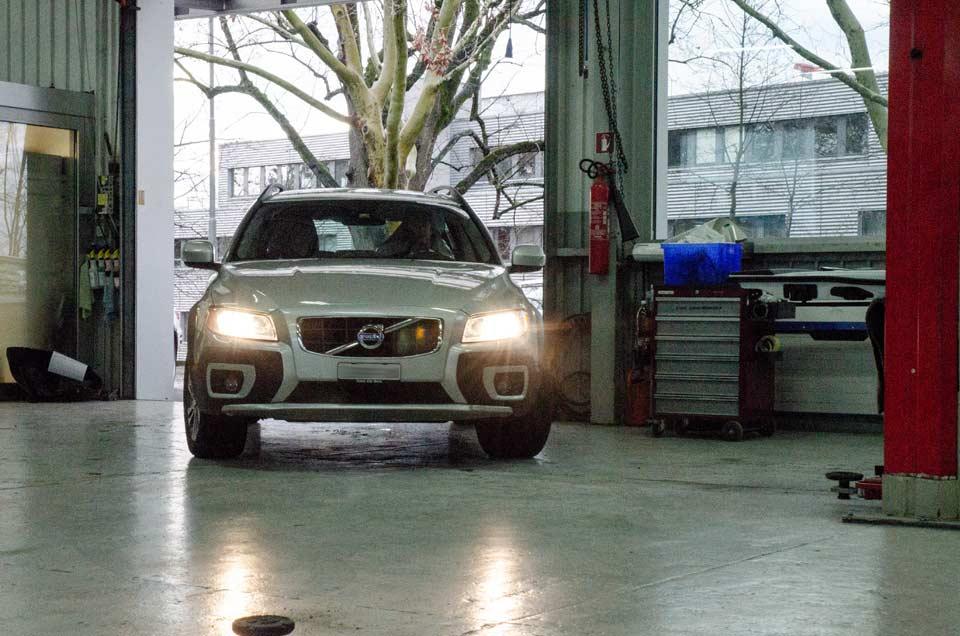 Garage-Bringold-AG_Ittigen-Bern_Werkstatt_Gallery_Prüfbereitstellung